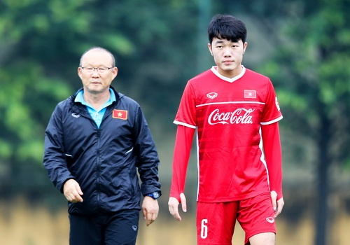 Xuan Truong thua nhan khong co phong do tot truoc them AFF Cup hinh anh