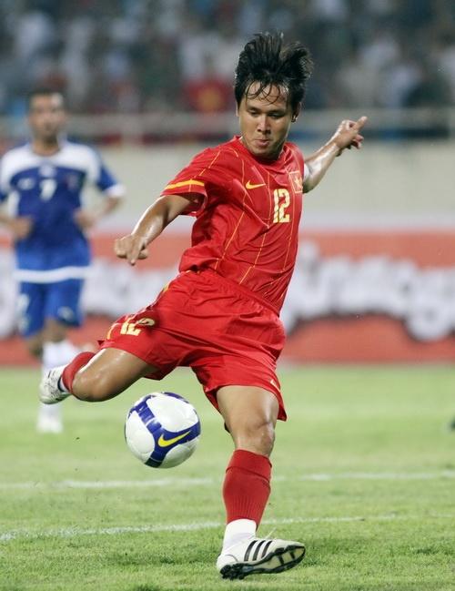 Ban thang dua Viet Nam vo dich AFF Cup 2008 la pha dan xep loi hinh anh 3