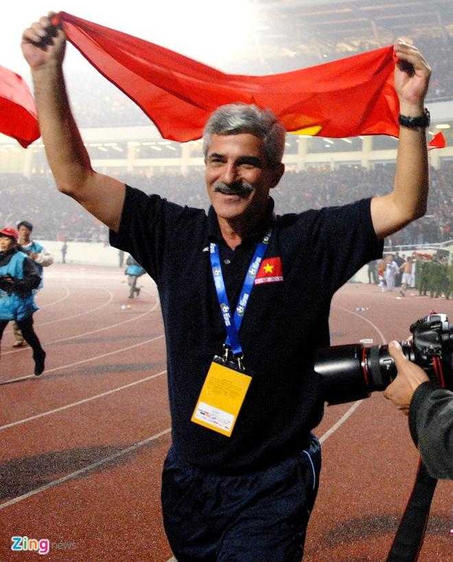 Ban thang dua Viet Nam vo dich AFF Cup 2008 la pha dan xep loi hinh