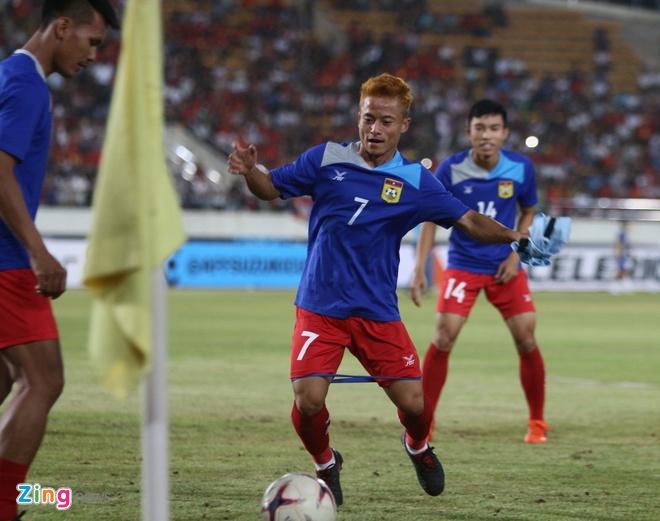 Vi sao 'Messi Lao' khong ra san trong tran thua tuyen Viet Nam? hinh anh 2