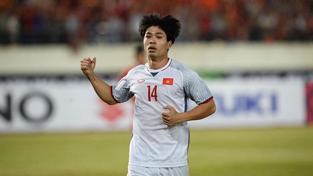 Viet Nam vs Malaysia: Cuoc doi dau cua hai the he tai nang moi hinh anh