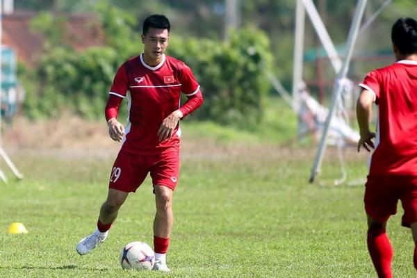 Huy Hung tro lai, thay Park co them phuong an thay Xuan Truong hinh anh