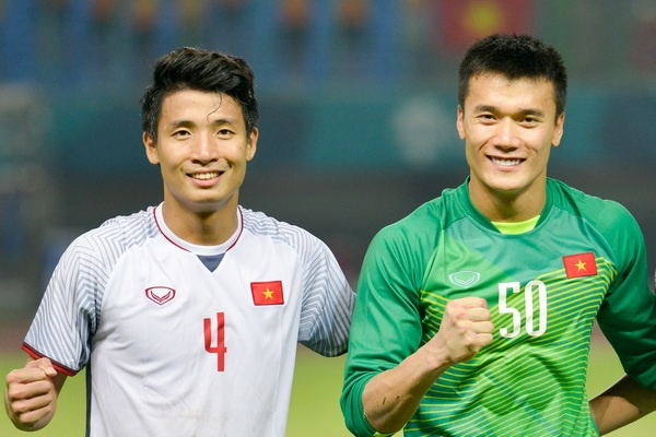 Viet Nam vs Campuchia: Co hoi cuoi cho nhung chang Bui Tien Dung? hinh anh