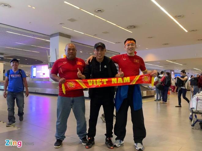 CDV Viet Nam bi duoi danh khi toi Malaysia xem tran chung ket AFF Cup? hinh anh 1
