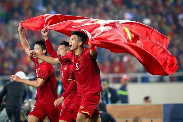 Viet Nam se bo xa Thai Lan tren bang xep hang FIFA sau AFF Cup hinh anh