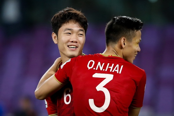 Tuyen Viet Nam co phai mot trong 12 vi tinh tu cua Asian Cup? hinh anh