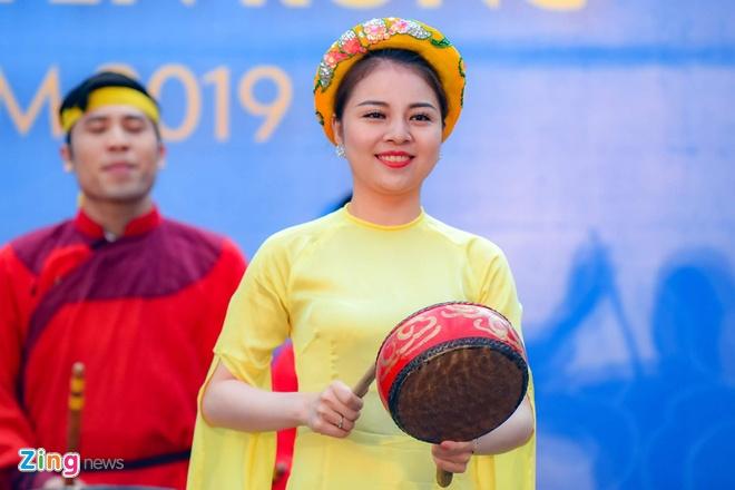 Khai mac le hoi boi chai thuyen rong Ha Noi mo rong tai Ho Tay hinh anh 2