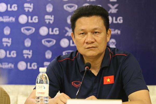 HLV U22 Viet Nam: Chung toi hau nhu khong nam duoc thong tin doi thu hinh anh