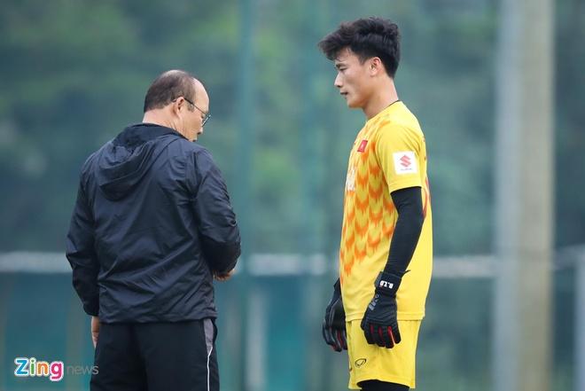 HLV Park Hang-seo can dan Bui Tien Dung truoc ngay gap Brunei hinh anh 1