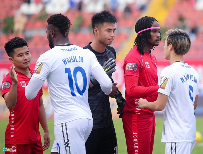 Dan em toa sang, Bui Tien Dung se mat vi tri o U23 Viet Nam? hinh anh 1