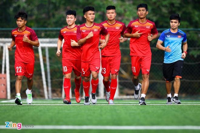 HLV Hoang Anh Tuan chot 4 cau thu SLNA vao danh sach U18 Viet Nam anh 1