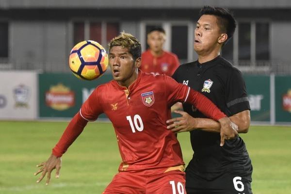 Tuyen thu Myanmar noi gian vi dong doi cu triet ha o Thai League hinh anh