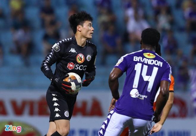 Bui Tien Dung duoc vao san vi U23 va tuyen Viet Nam sap tap trung hinh anh 1
