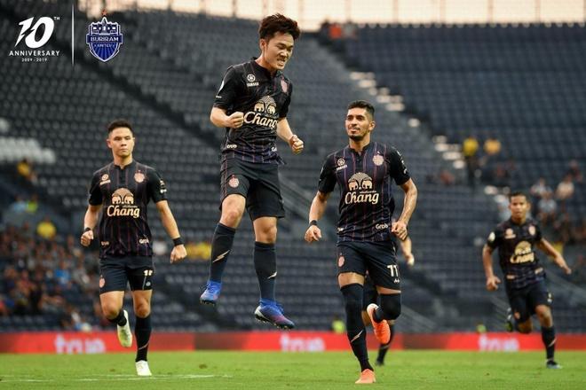 Xuan Truong nhan giai thuong dau tien o Thai League hinh anh 1