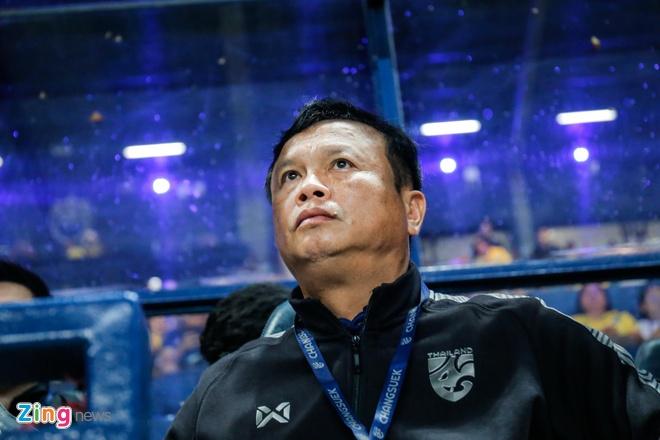 HLV truong tuyen Thai Lan tu chuc sau King's Cup hinh anh 1