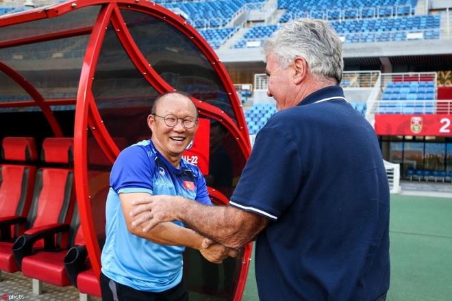 HLV Park dung o cua phong, cho gap Hiddink tai Trung Quoc hinh anh 1