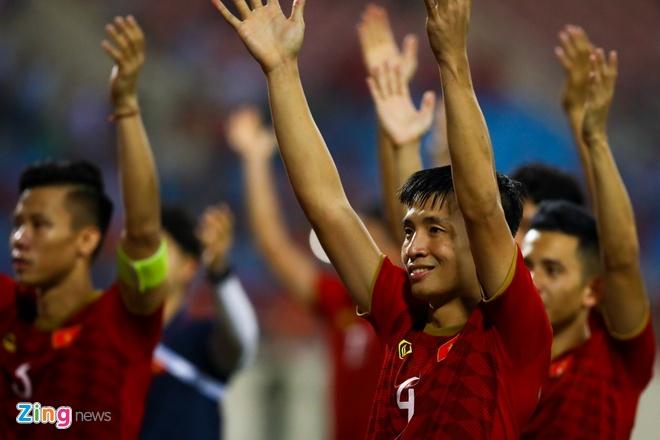 Bui Tien Dung: 'Tuyen Viet Nam luon co nguoi san sang thay Tuan Anh' hinh anh 1