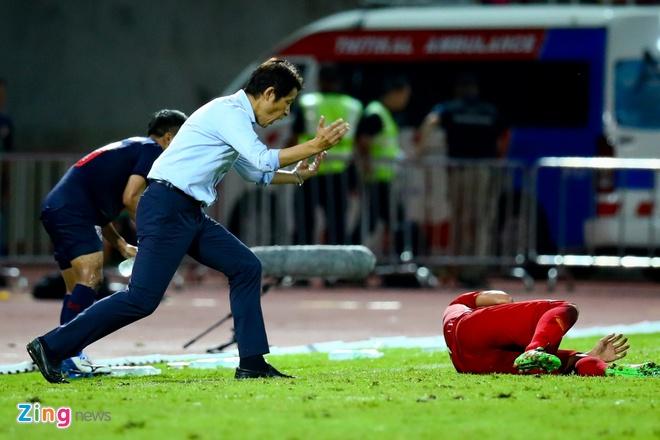 Bui Tien Dung phan bac HLV Nishino: 'Toi bi dau chu khong an va' hinh anh 1