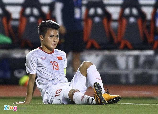 Duc Chinh, Tien Linh - sung hai nong cua U23 Viet Nam o chau A hinh anh 2 Quang_Hai_chan_thuong_zing.jpg