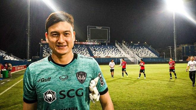 Van Lam co the vang mat o AFF Cup hinh anh 1 Van_Lam_Muangthong.jpg