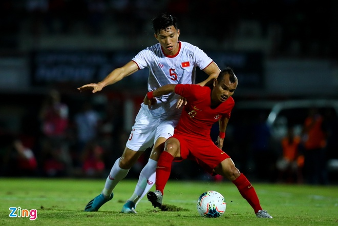 Bao Indonesia: 'Chi con Viet Nam can chung ta vo dich AFF Cup' hinh anh 2 Indonesia_Viet_Nam_2_zing.jpg
