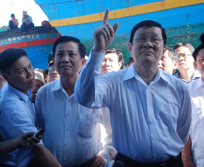 Chu tich nuoc: 'Se tang them tau cho CSB va Kiem ngu' hinh anh 2 Theo Chủ tịch nước, trong thời gian tới, chúng ta sẽ có nhiều tàu vỏ sắt công suất lớn để ngư dân vươn khơi, bám biển, giữ chủ quyền.