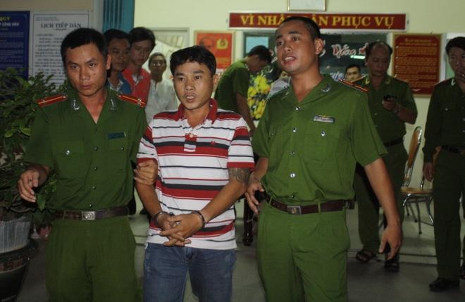 Mo quan nhau quy tu cac 'anh chi' giang ho hinh anh 1 Công an Đà Nẵng bắt khẩn cấp Phúc để điều tra, làm rõ hành vi đánh chết người.