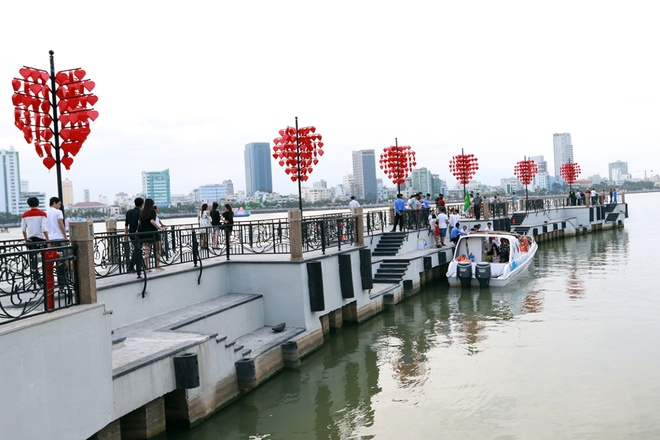 Kết quả hình ảnh cho Cầu tàu tình yêu
