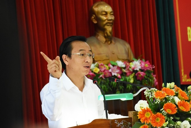 Bi thu Da Nang: 'Khong di nuoc ngoai bang tien ngan sach' hinh anh