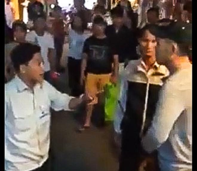 Chu tich TP Hoi An: Cong an khong danh huong dan vien hinh anh 1