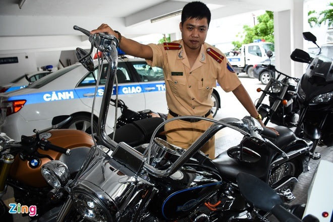 Xu phat cac chu moto gay nao loan duong pho Da Nang hinh anh 1