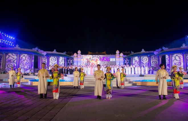 Sac mau ruc ro trong le tong duyet Festival Hue 2016 hinh anh 5