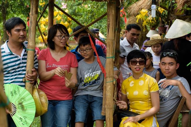 Cho que trong Festival Hue thu hut voi tro choi dan gian hinh anh 13