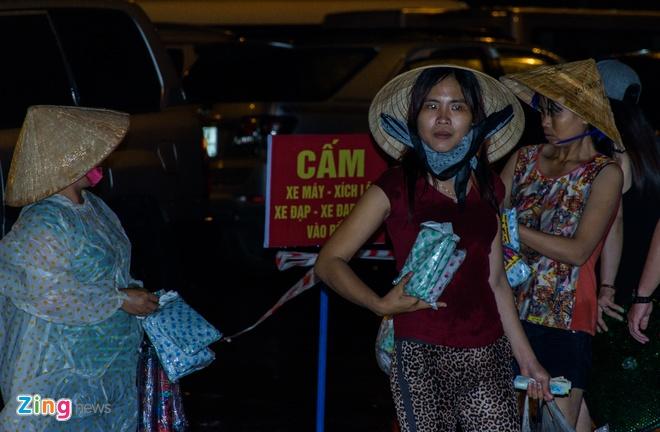 Khan gia doi mua xem khai mac Festival Hue 2016 hinh anh 5
