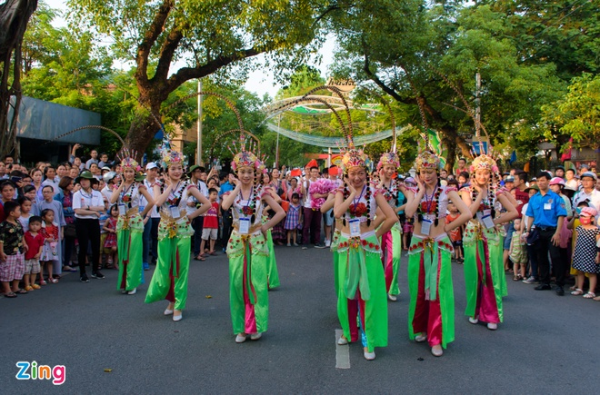 23 quoc gia trinh dien le hoi duong pho Festival Hue hinh anh 9