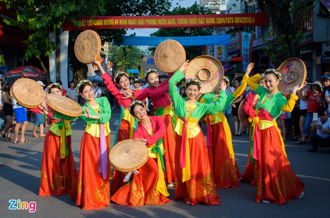 23 quoc gia trinh dien le hoi duong pho Festival Hue hinh anh 5