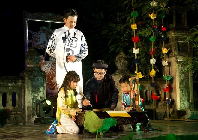 Dem ve mien Huong Ngu tai Festival Hue hinh anh