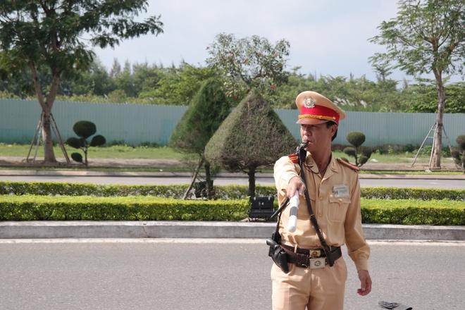 CSGT Da Nang nhan phan anh cua dan qua Facebook hinh anh 1