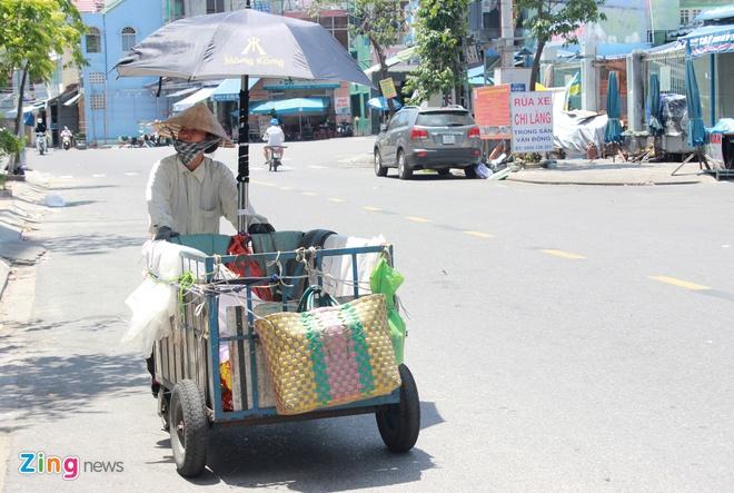 Nguoi ngheo o Da Nang, Nghe An gong minh muu sinh tren 'chao lua' hinh anh 9