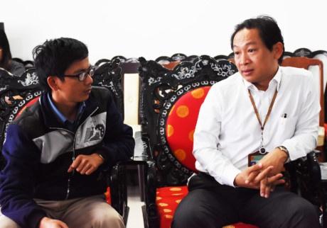 Nguyen Pho giam doc So Ngoai vu Da Nang len tieng ve nghi van 'tham o' hinh anh 1