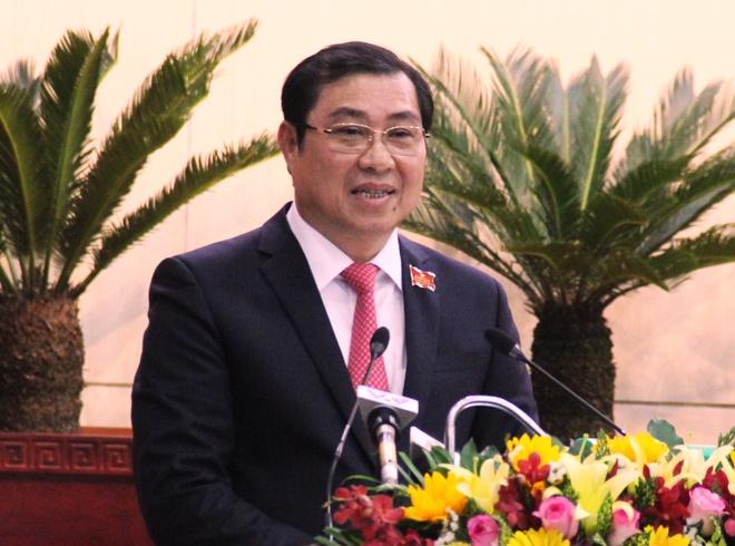 Chu tich TP Da Nang: Dung de Son Tra anh huong doi song chinh tri hinh anh 1