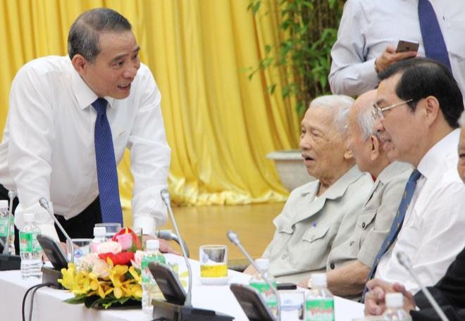 Bi thu Da Nang: Phai ky luat can bo la rat dau long hinh anh