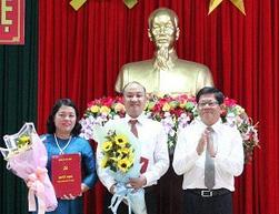 Giam doc So Tai nguyen - Moi truong Da Nang lam Bi thu quan Cam Le hinh anh