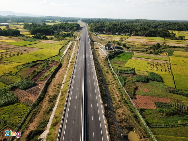 VEC giải thích về nghi vấn chống thấm hầm chui cao tốc bằng băng keo