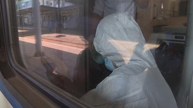 Người thứ 35 mắc Covid-19 tiếp xúc 20 phút với 2 du khách nhiễm virus