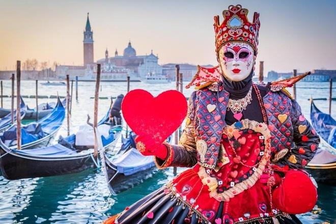Toi Venice, lenh denh tren thuyen Gondola nghe tinh ca Italy hinh anh