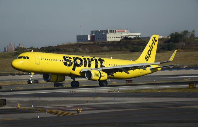 Hành khách bị cấm bay cả đời vì hút thuốc lá điện tử trên máy bay