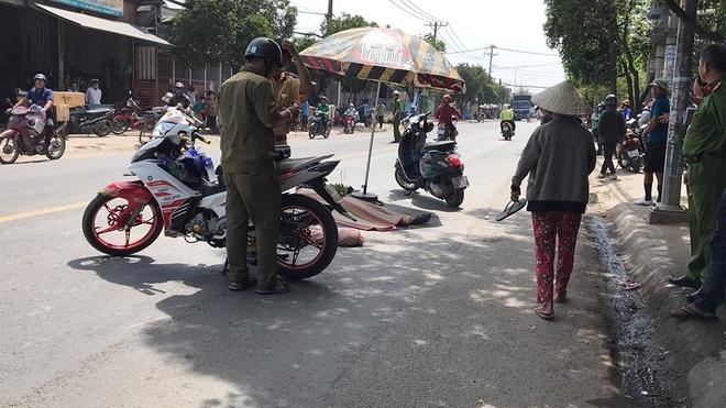 Va chạm xe tải, một cô gái tử vong trên đường ở Sài Gòn