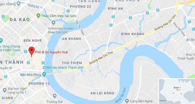 5 man hinh lon o pho Nguyen Hue phuc vu CDV tran Viet Nam - Malaysia hinh anh 2