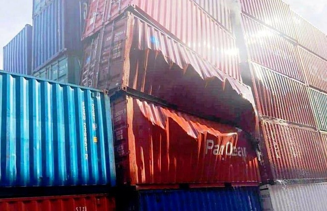 Thung container chua bot che bien tom phat no o cang Cat Lai hinh anh 1